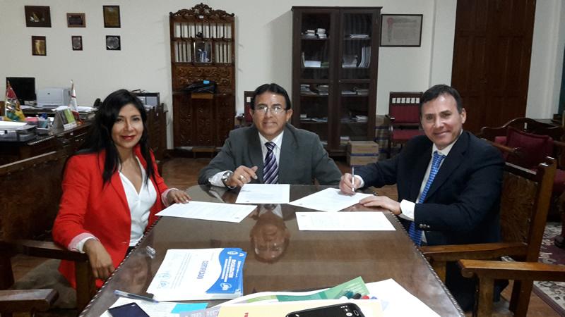 Convenio con la Universidad San Francisco de Chuquisaca Bolivia